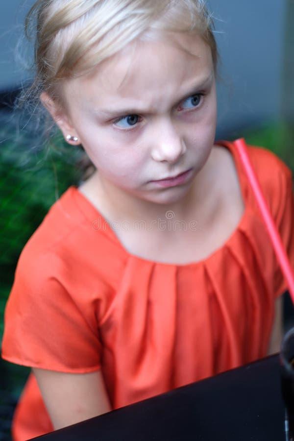Retrato de una muchacha contrariedad foto de archivo libre de regalías