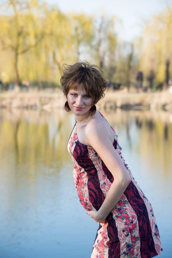 Download Retrato De Una Muchacha Embarazada Joven Foto de archivo - Imagen de fruta, feliz: 42435856