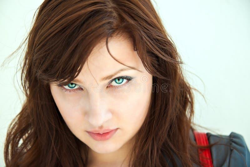 Retrato de una muchacha hermosa. foto de archivo libre de regalías