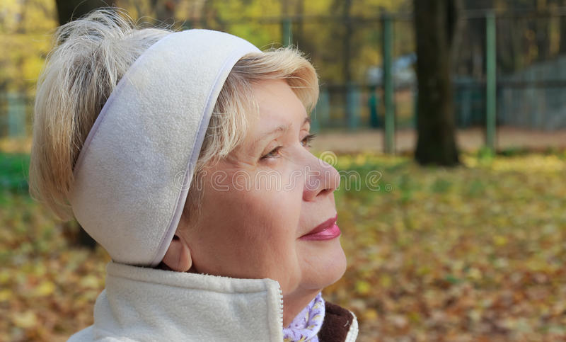 Retrato de una mujer foto de archivo