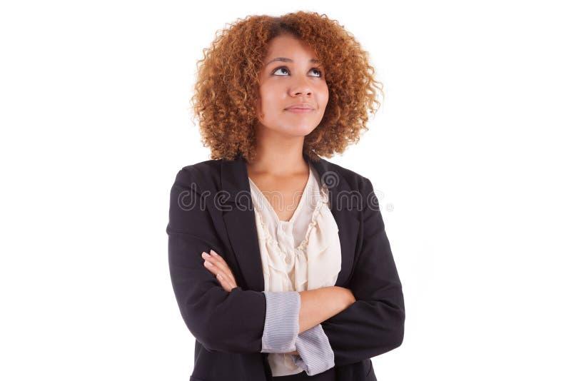Retrato de una mujer de negocios afroamericana joven - peop negro foto de archivo