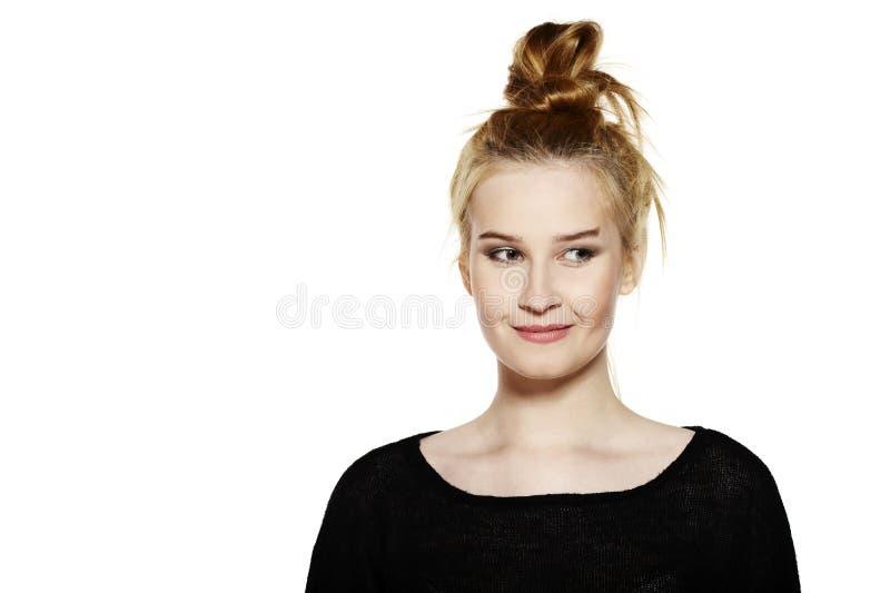Download Retrato de una mujer joven imagen de archivo. Imagen de adulto - 44855091