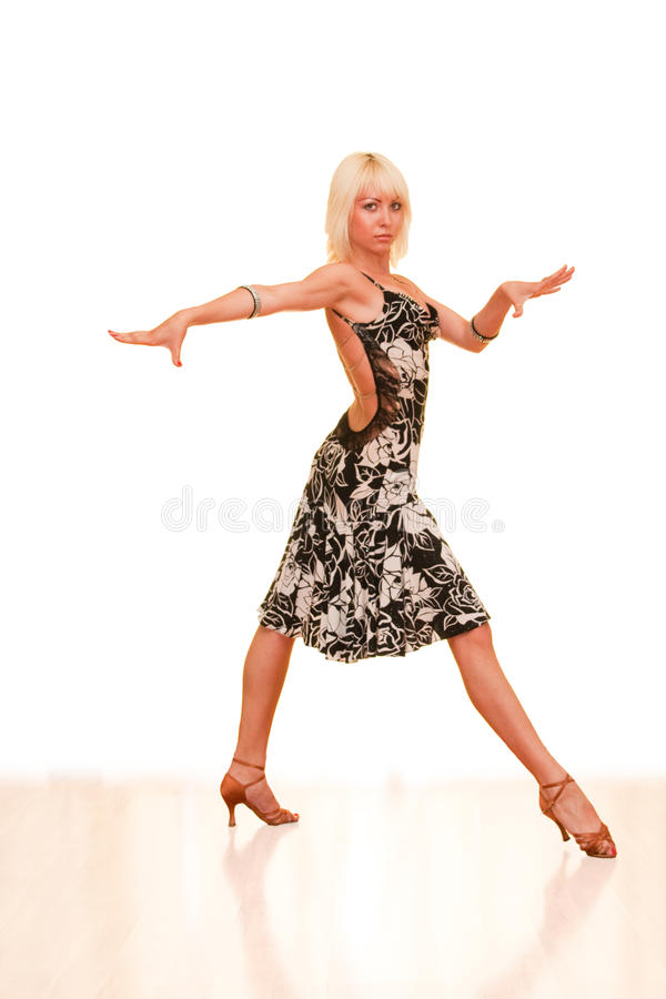 Retrato de una mujer joven en danza imágenes de archivo libres de regalías