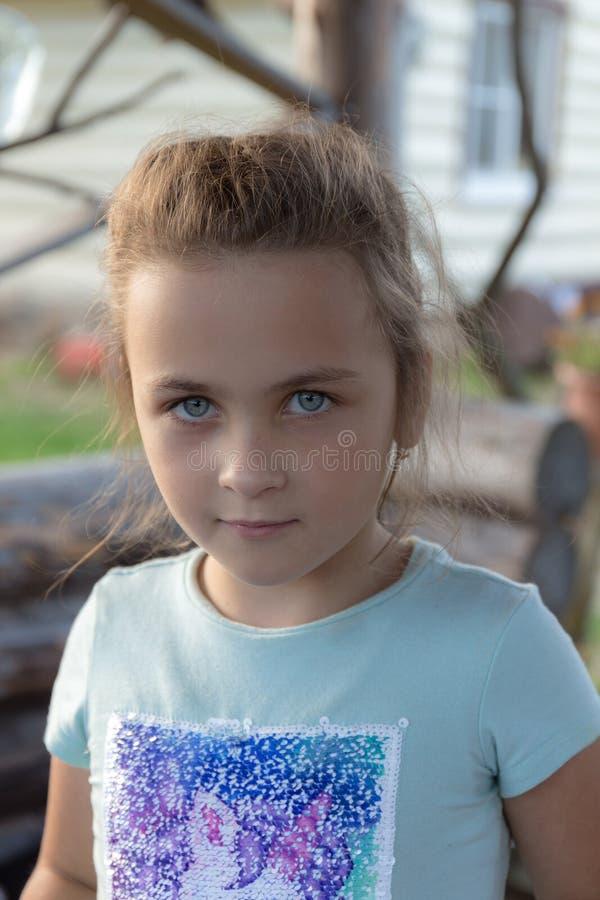 Retrato de una niña fotos de archivo libres de regalías