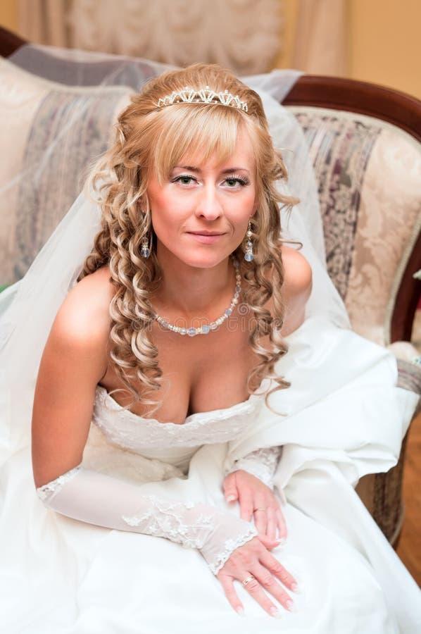 Retrato de una novia hermosa joven imágenes de archivo libres de regalías