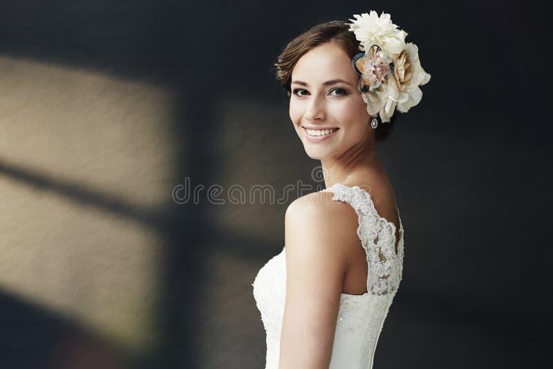 Retrato de una novia joven fotografía de archivo