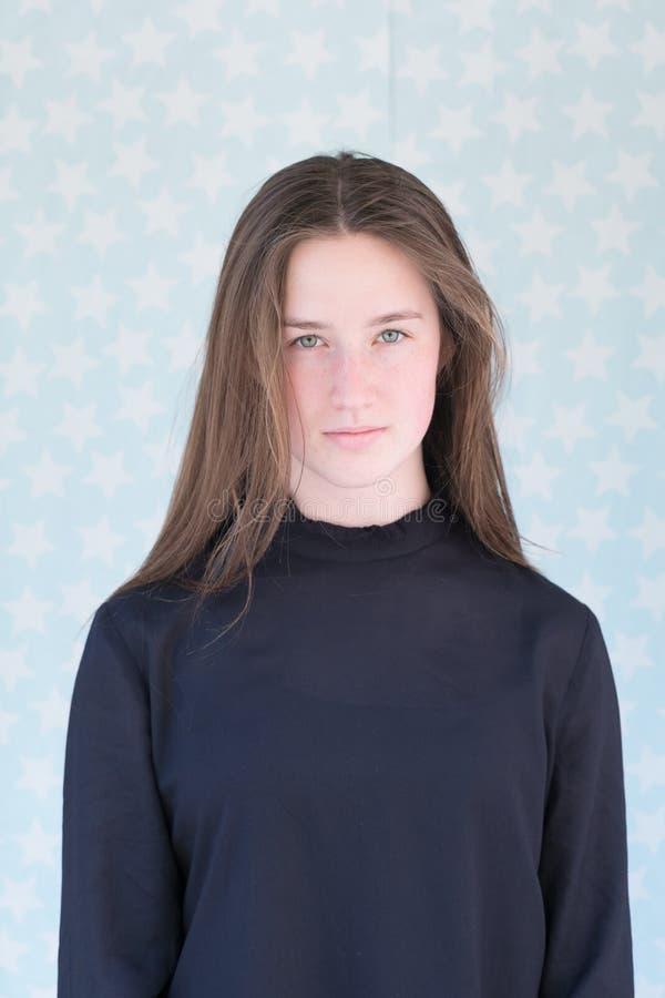 Retrato del adolescente hermoso imagenes de archivo