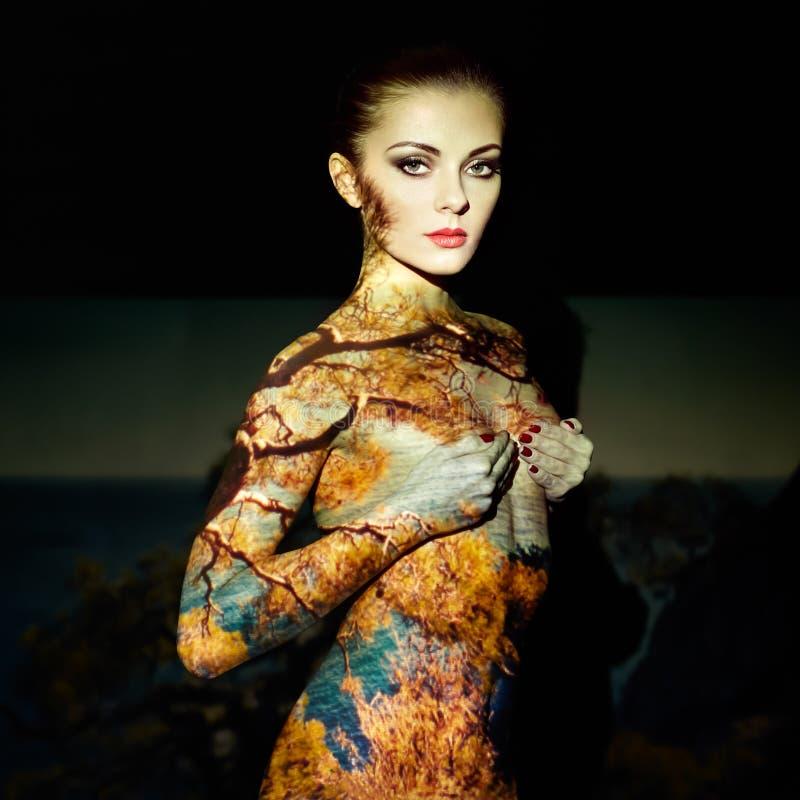 Retrato del arte de la moda de mujeres hermosas imagen de archivo libre de regalías