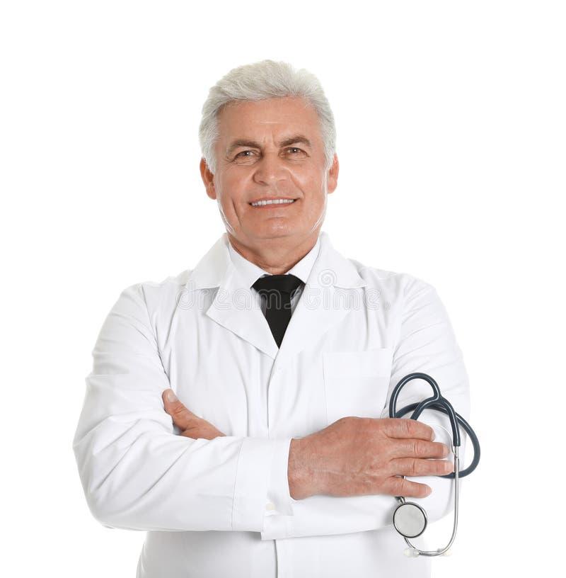 Retrato del doctor de sexo masculino con el estetoscopio Personal m?dico foto de archivo