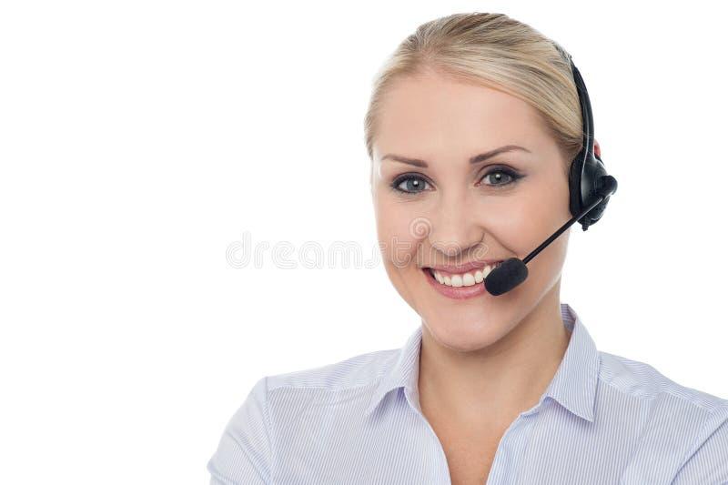 Retrato del ejecutivo de sexo femenino de la atención al cliente imagen de archivo