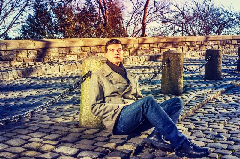 Retrato del hombre americano hermoso joven fotografía de archivo