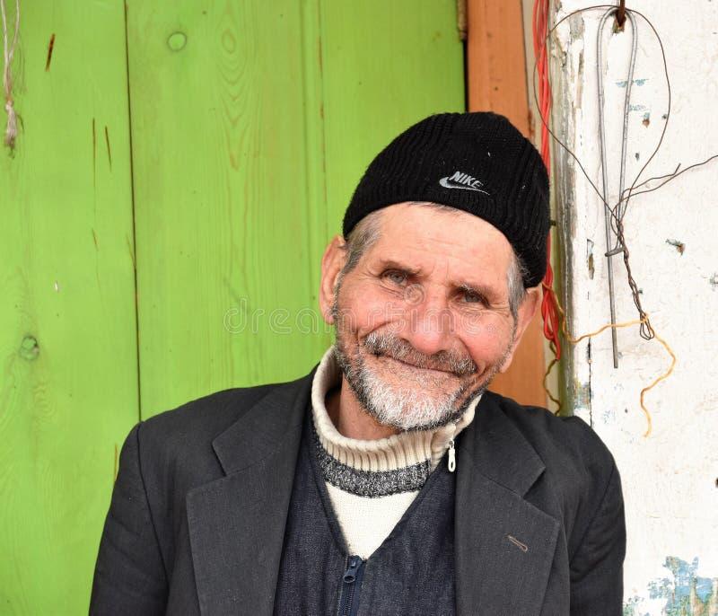 Retrato del hombre de Anatolia turco del comerciante con los ojos azules foto de archivo