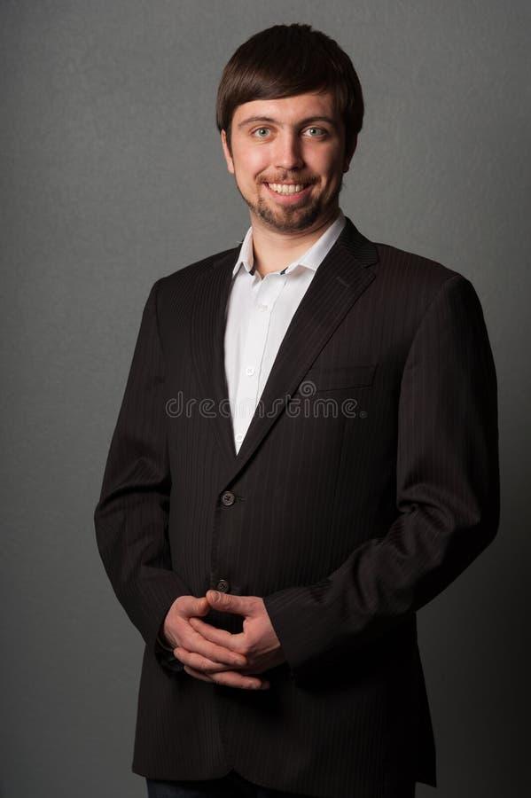 Retrato del hombre de negocios sonriente imágenes de archivo libres de regalías