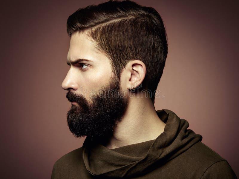Retrato del hombre hermoso con la barba imágenes de archivo libres de regalías