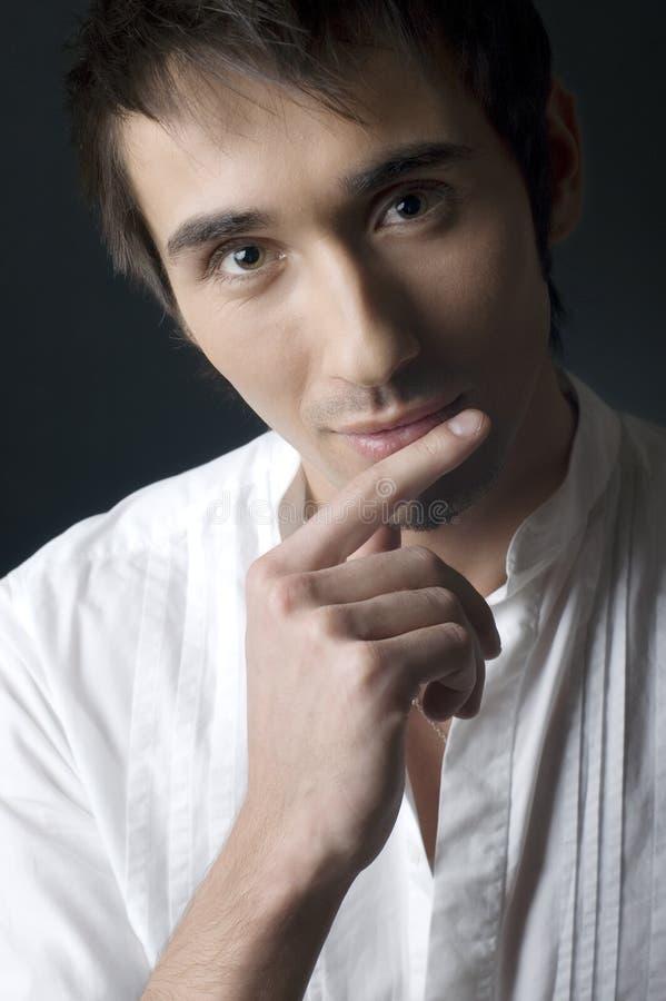 Retrato del hombre joven imagen de archivo libre de regalías