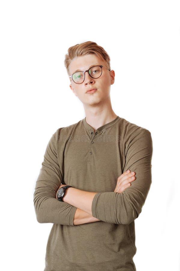 Retrato del hombre joven con las lentes fotos de archivo libres de regalías