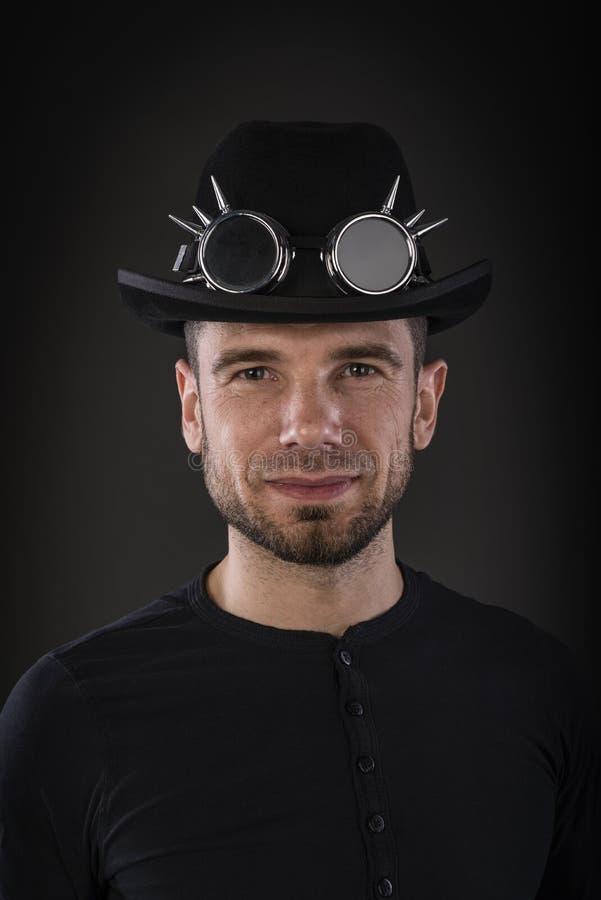 Retrato del hongo del hombre que lleva fotografía de archivo libre de regalías