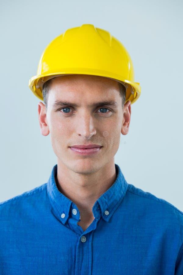 Retrato del ingeniero confiado imagenes de archivo