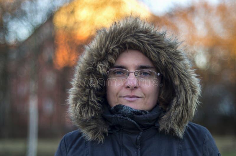 Retrato del invierno de la mujer madura foto de archivo libre de regalías