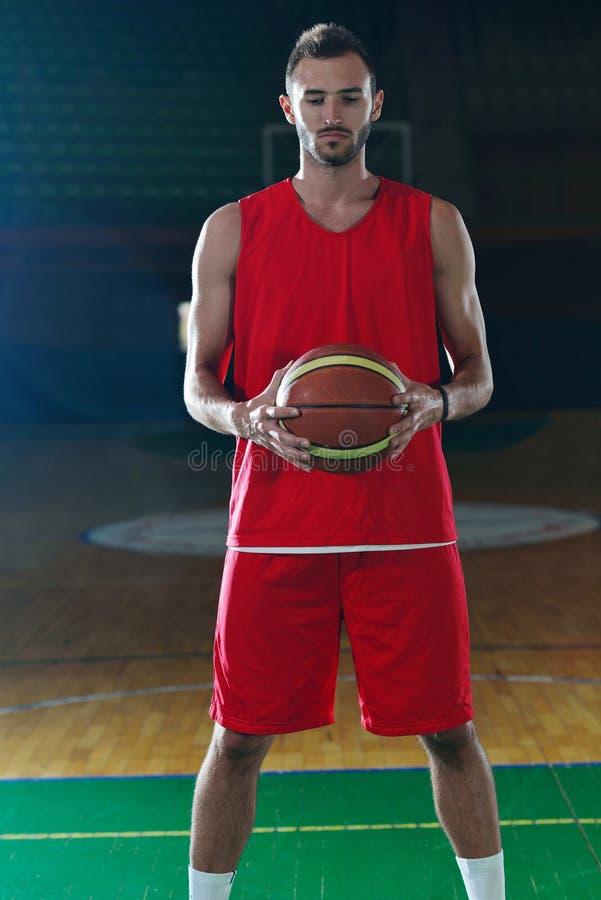 Retrato del jugador de básquet fotos de archivo libres de regalías