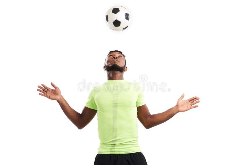 Retrato del jugador de fútbol talentoso fotos de archivo