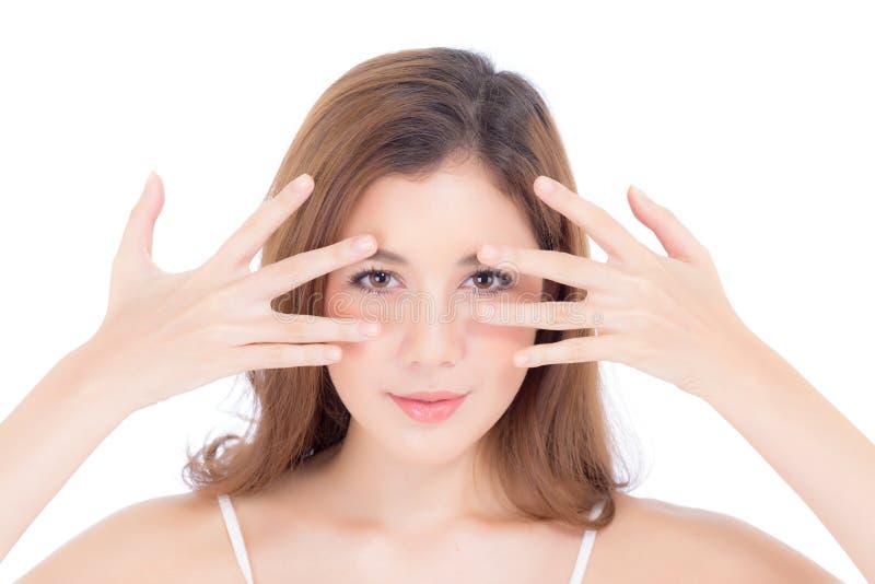 Retrato del maquillaje hermoso de la mujer del cosmético, del ojo de la mano de la muchacha y de la sonrisa atractivos fotografía de archivo