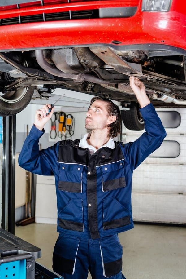 Retrato del mecánico de automóviles fotos de archivo
