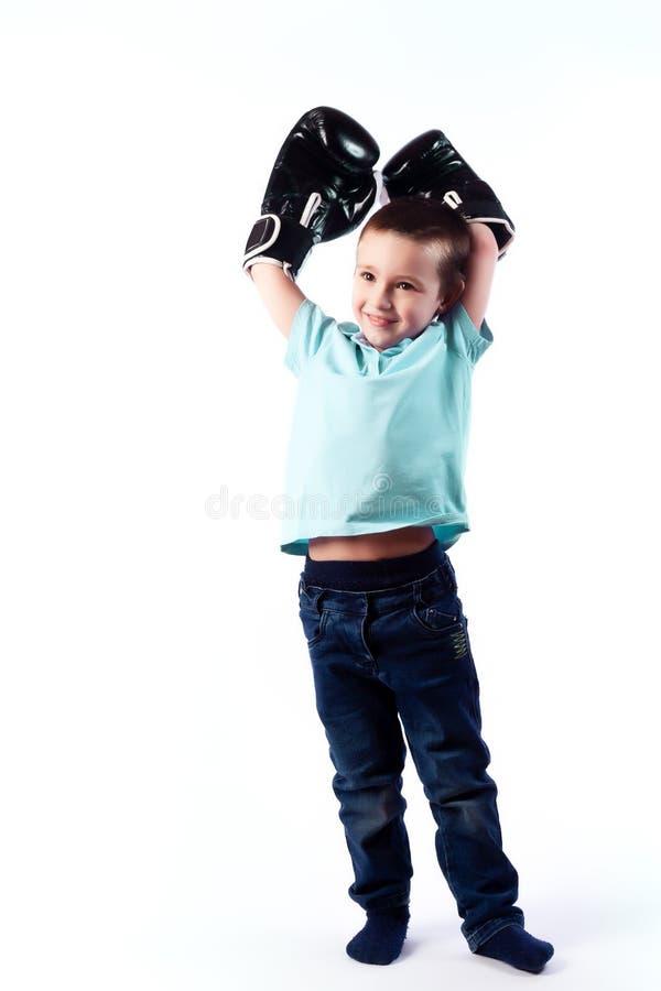 Retrato del muchacho hermoso alegre feliz imagen de archivo