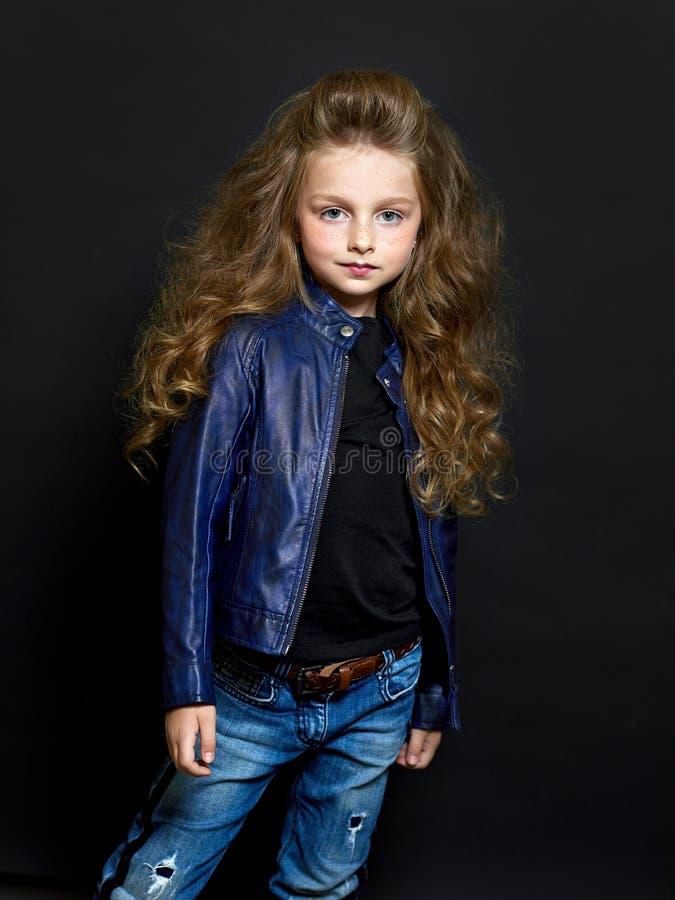 Retrato del niño hermoso fotos de archivo