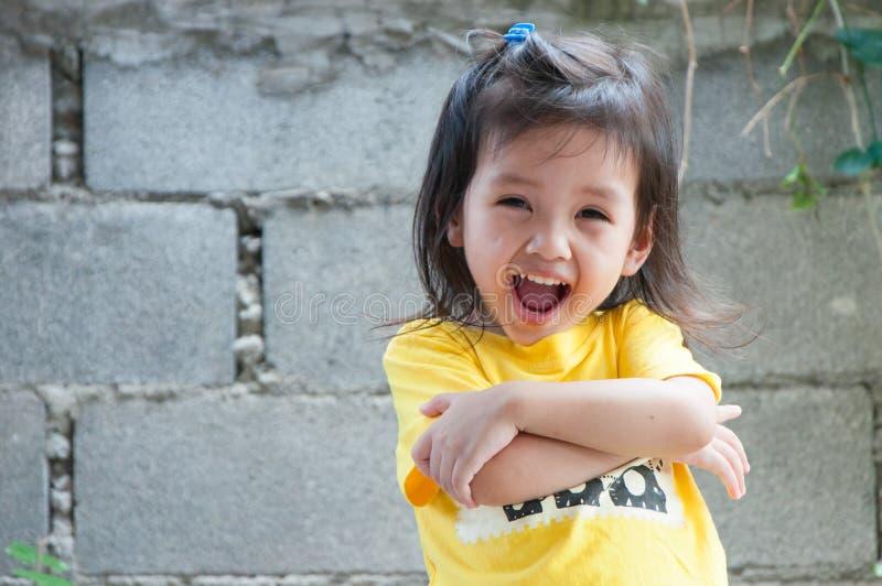 Retrato del niño lindo feliz fotos de archivo libres de regalías