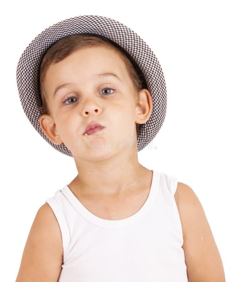 Retrato del niño pequeño bastante con estilo fresco fotos de archivo libres de regalías
