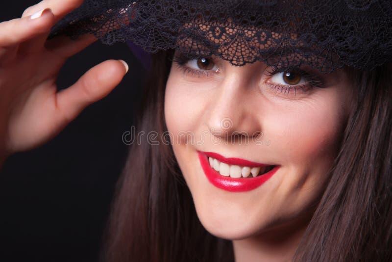 Retrato del primer de la mujer hermosa joven imagenes de archivo