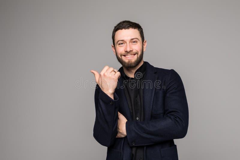 Retrato del primer de una sonrisa feliz del hombre joven foto de archivo libre de regalías