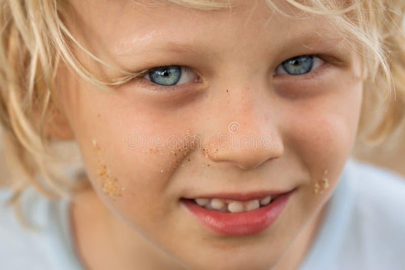Retrato del primer del muchacho lindo imagen de archivo libre de regalías