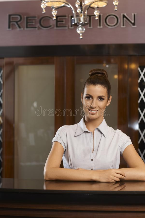 Retrato del recepcionista feliz fotografía de archivo