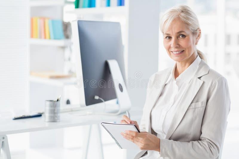 Retrato del terapeuta sonriente fotos de archivo libres de regalías