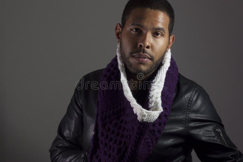 Retrato del varón del afroamericano imagenes de archivo