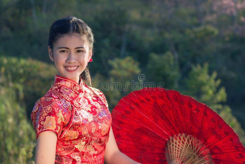 Retrato del vestido tradicional chino fotos de archivo