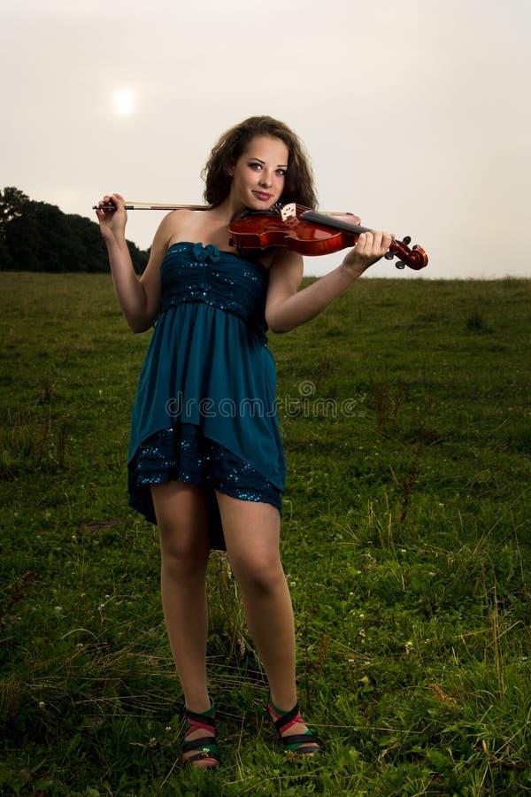 Retrato del violinista imágenes de archivo libres de regalías