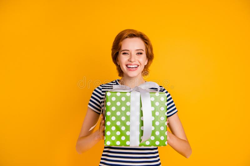 Retrato dela ela menina contente animador alegre atrativa encantador bonita bonita bonito agradável para conseguir receber reali fotografia de stock royalty free