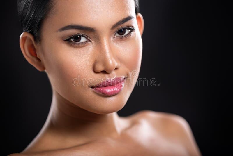 Retrato do asiático novo bonito fotografia de stock royalty free