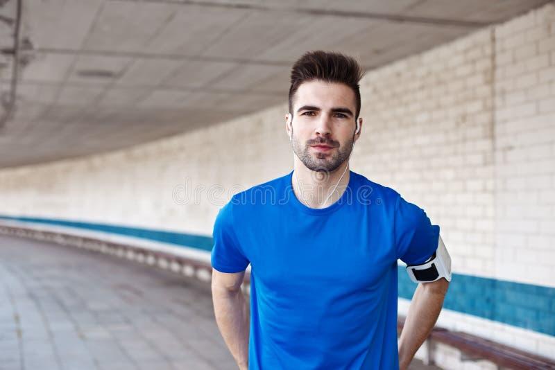 Retrato do atleta novo imagens de stock