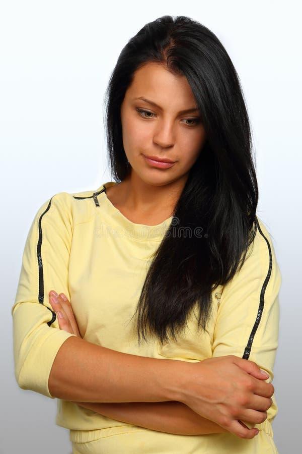Retrato do busto de uma menina moreno bonita fotos de stock royalty free