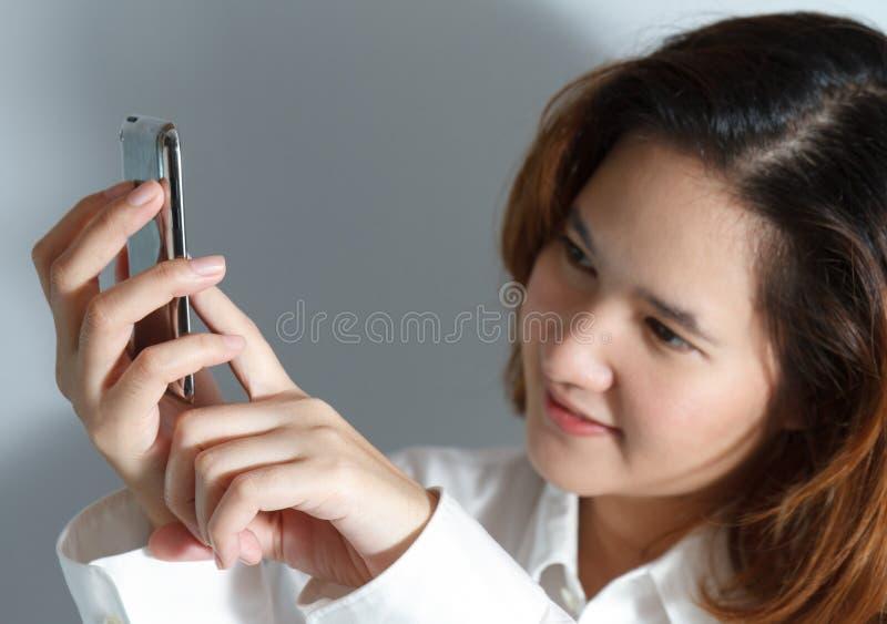 Download Retrato Do Close Up Da Mulher De Negócio Nova Bonito Foto de Stock - Imagem de modelo, gerente: 26522676