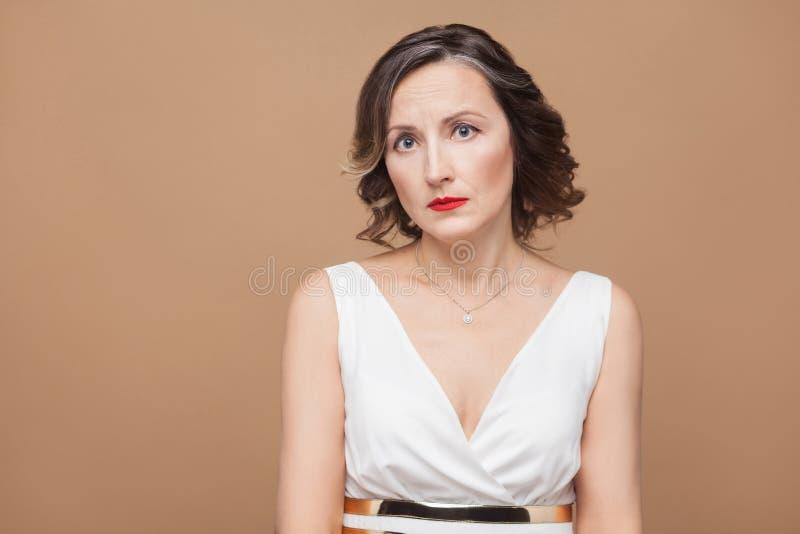 Retrato do close up da mulher infeliz fotos de stock royalty free