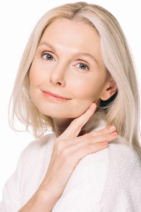 Retrato do close-up da mulher madura bonita fotografia de stock royalty free