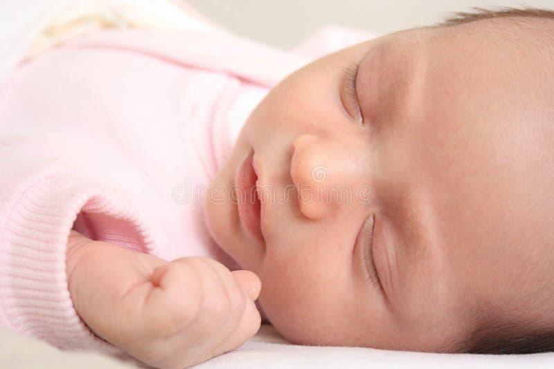 Retrato do Close-up de um bebê de sono imagem de stock royalty free