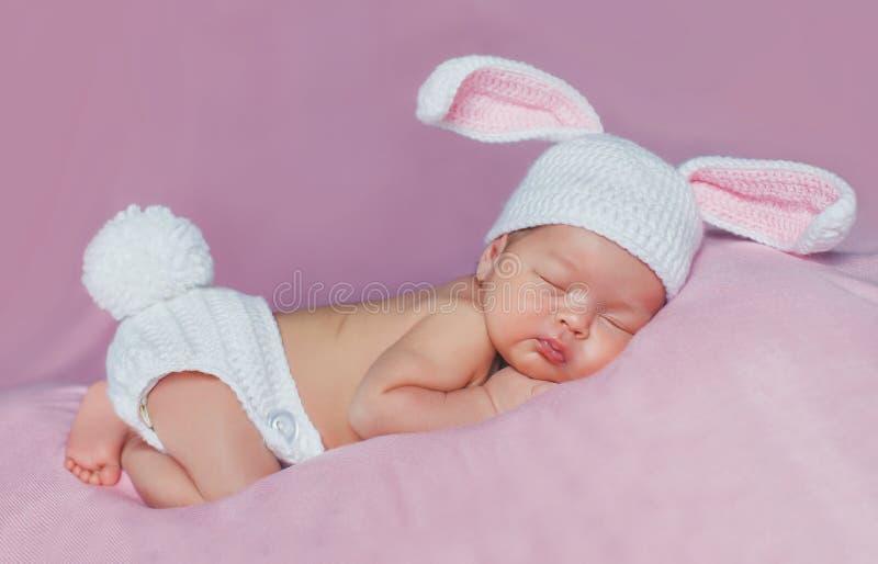 Retrato do close-up de um bebê de sono fotografia de stock royalty free