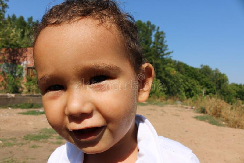 Retrato do close up de um menino com dois anos imagem de stock royalty free