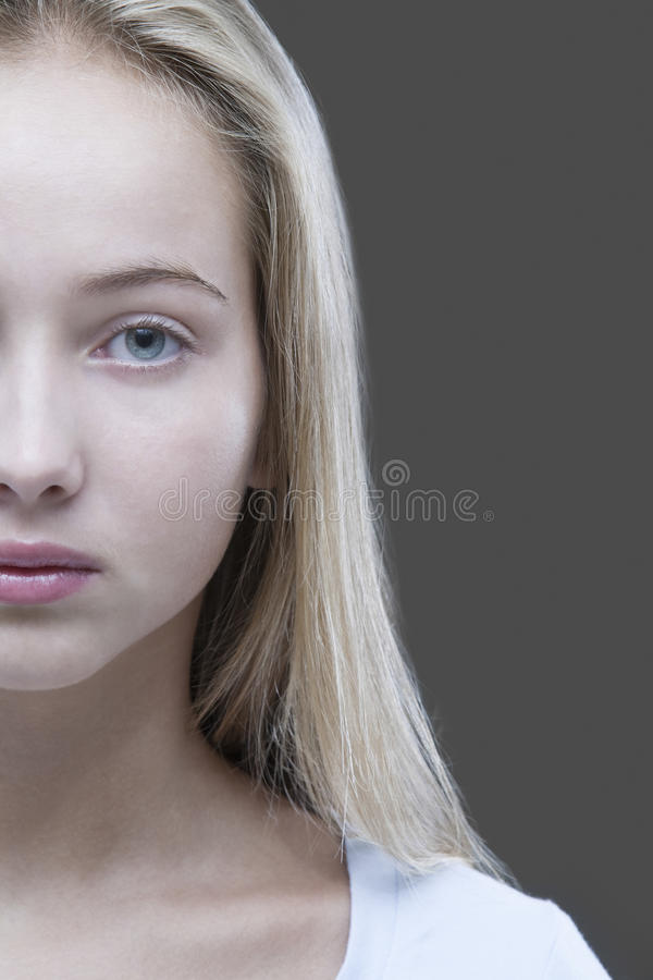 Retrato do close up do adolescente colhido foto de stock